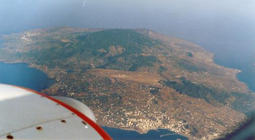 Do 28  Insel Pantelleria  Flugreise nach  Lampedusa